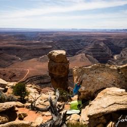 """Jochen Perschmann doing the first ascent of """"Over the desert,V6"""""""
